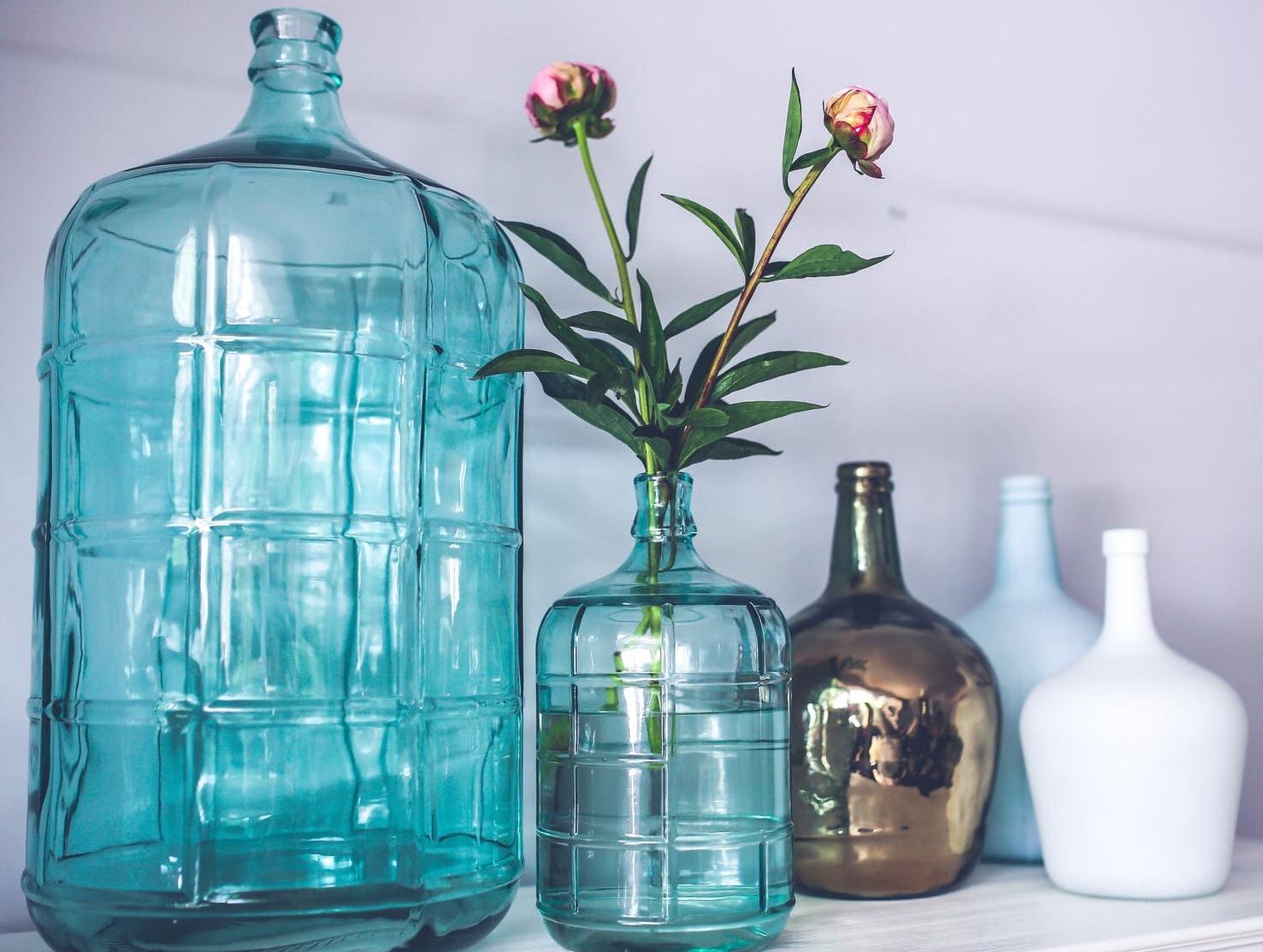 blue-glass-flower-decoration-1